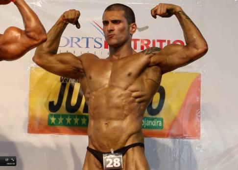Felipe conquistou o primeiro lugar na categoria CLASS 1, no II Campeonato de Fitness e Musculação de Mairinque.